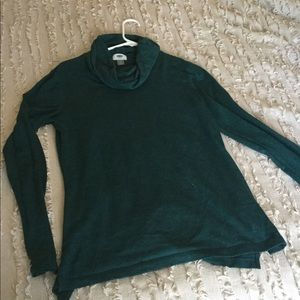 Forrest green turtleneck long sleeve